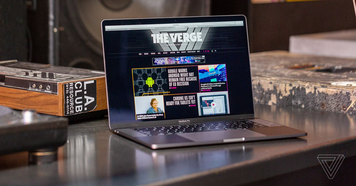 Techmeme: 2018 MacBook Pro review: great chip performance after