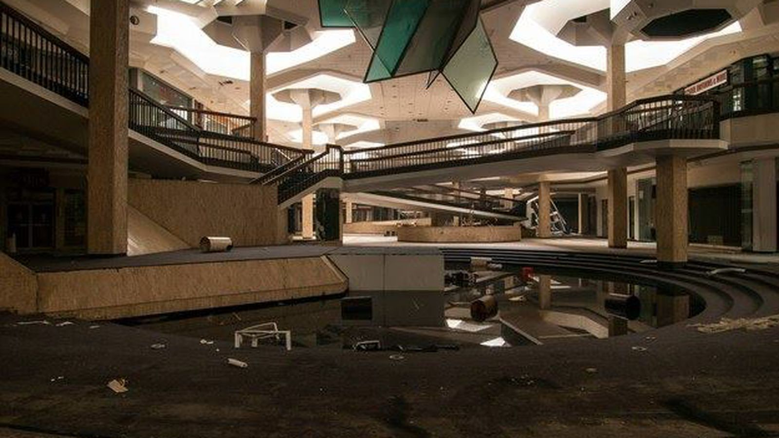 Completely Surreal Photos Of America s Abandoned shopping malls pictures