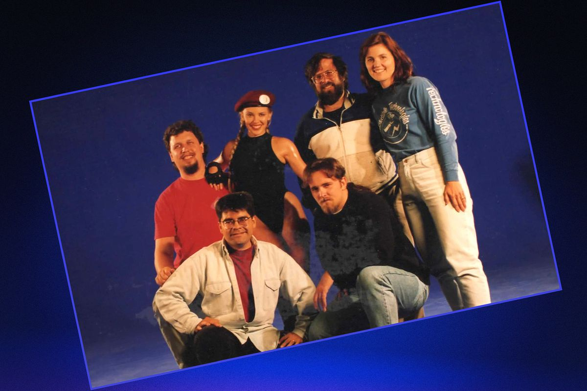 Photo of a group of people from the movie Street Fighter