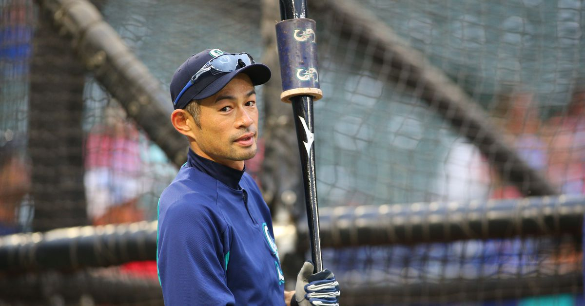 Ichiro after receiving a text from Tom Brady: 'Who the f*** is Tom Brady?'