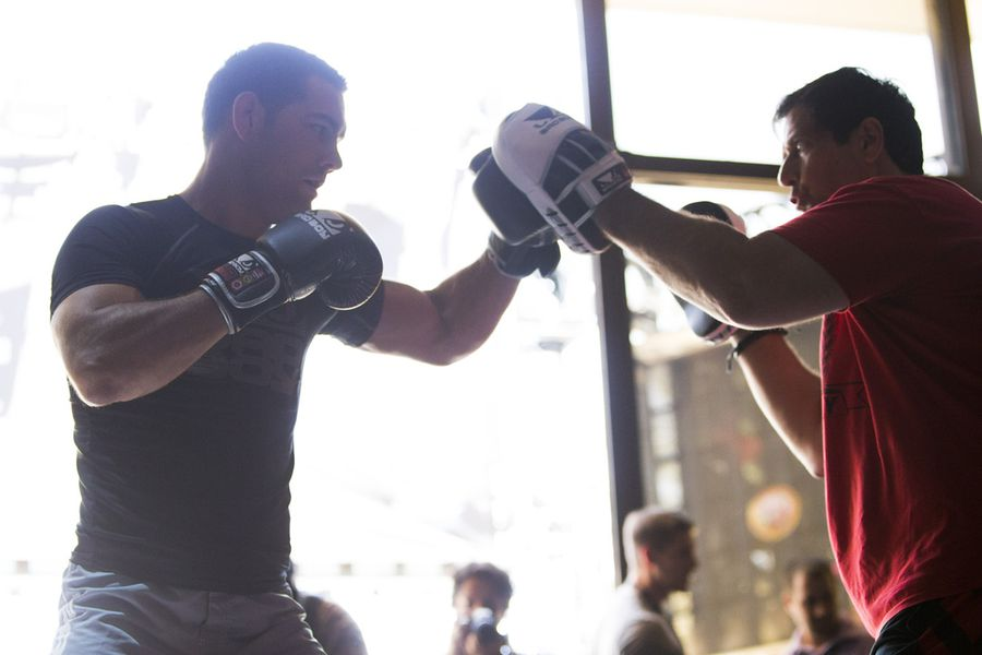 Ufc 162 Open Workout Photos Chris Weidman Hits Focus Mitts At Xs Nightclub Wynn Las Vegas Encore Resort On Wednesday July 3 2017