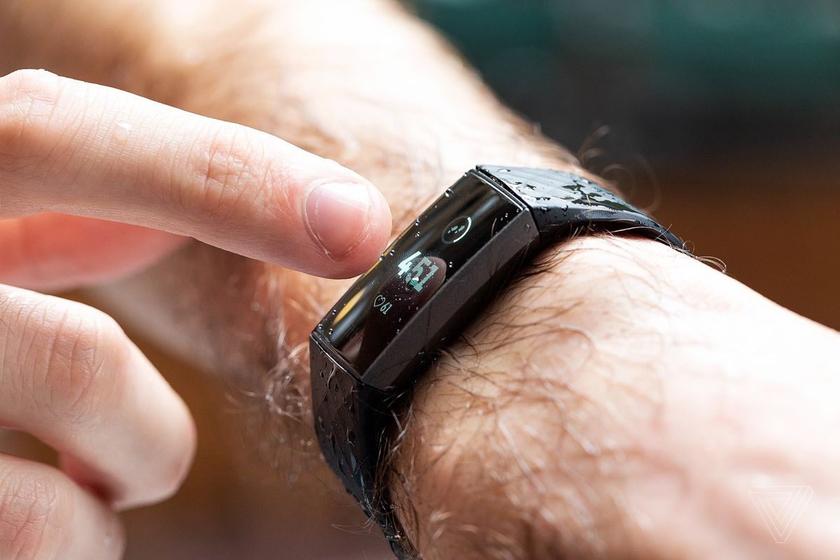 Techmeme: Fitbit Charge 3 review: great design and battery