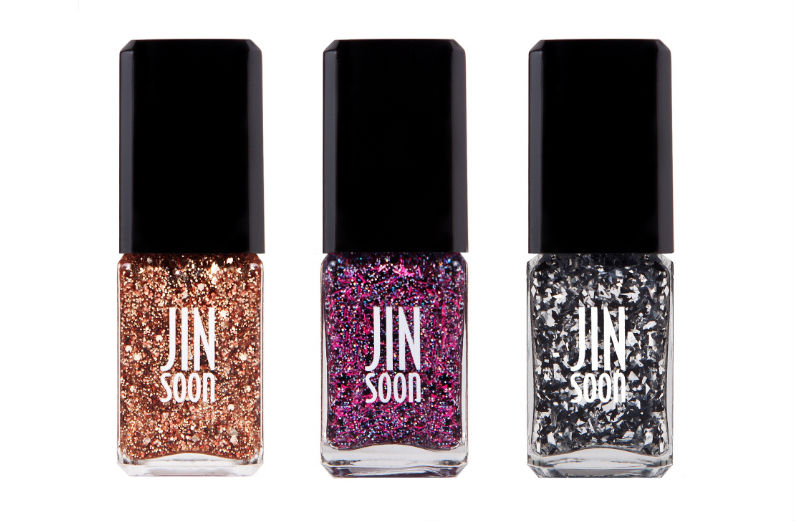 10 Best Sparkly Nail Polishes for Holiday Festivities