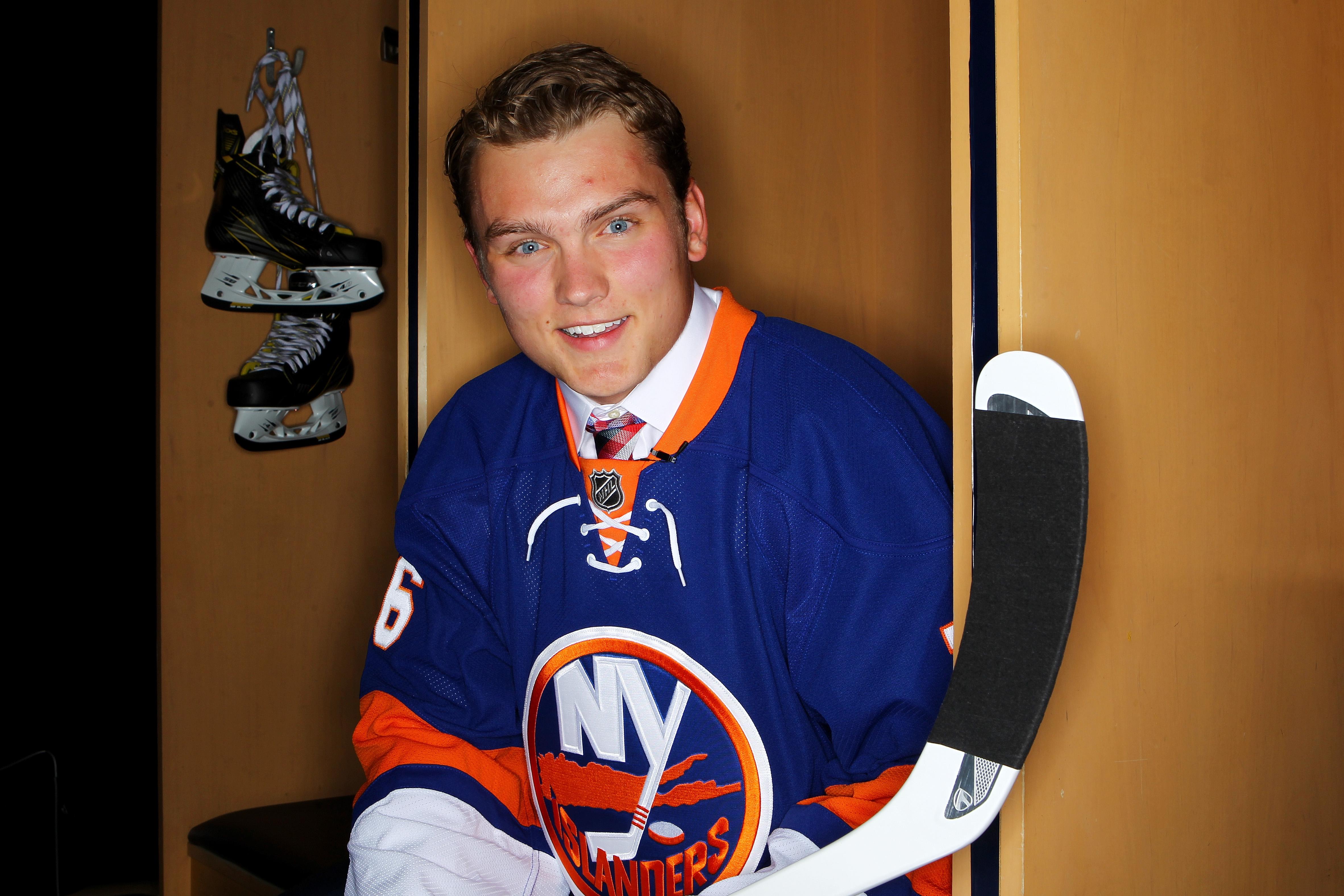 Hockey East: Kieffer Bellows Leaves BU To Play Junior Hockey