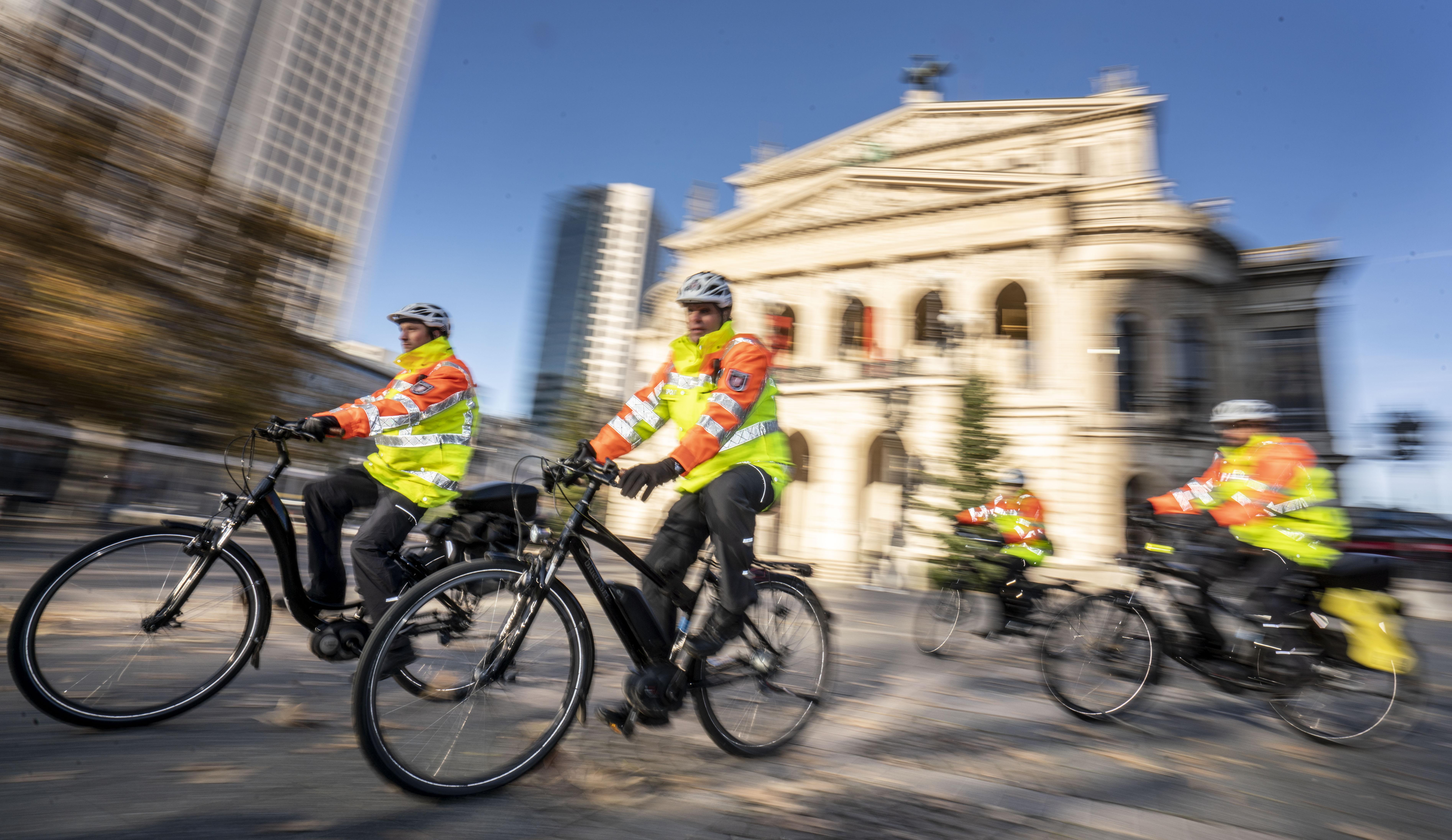 New bicycle squadron in Frankfurt/Main
