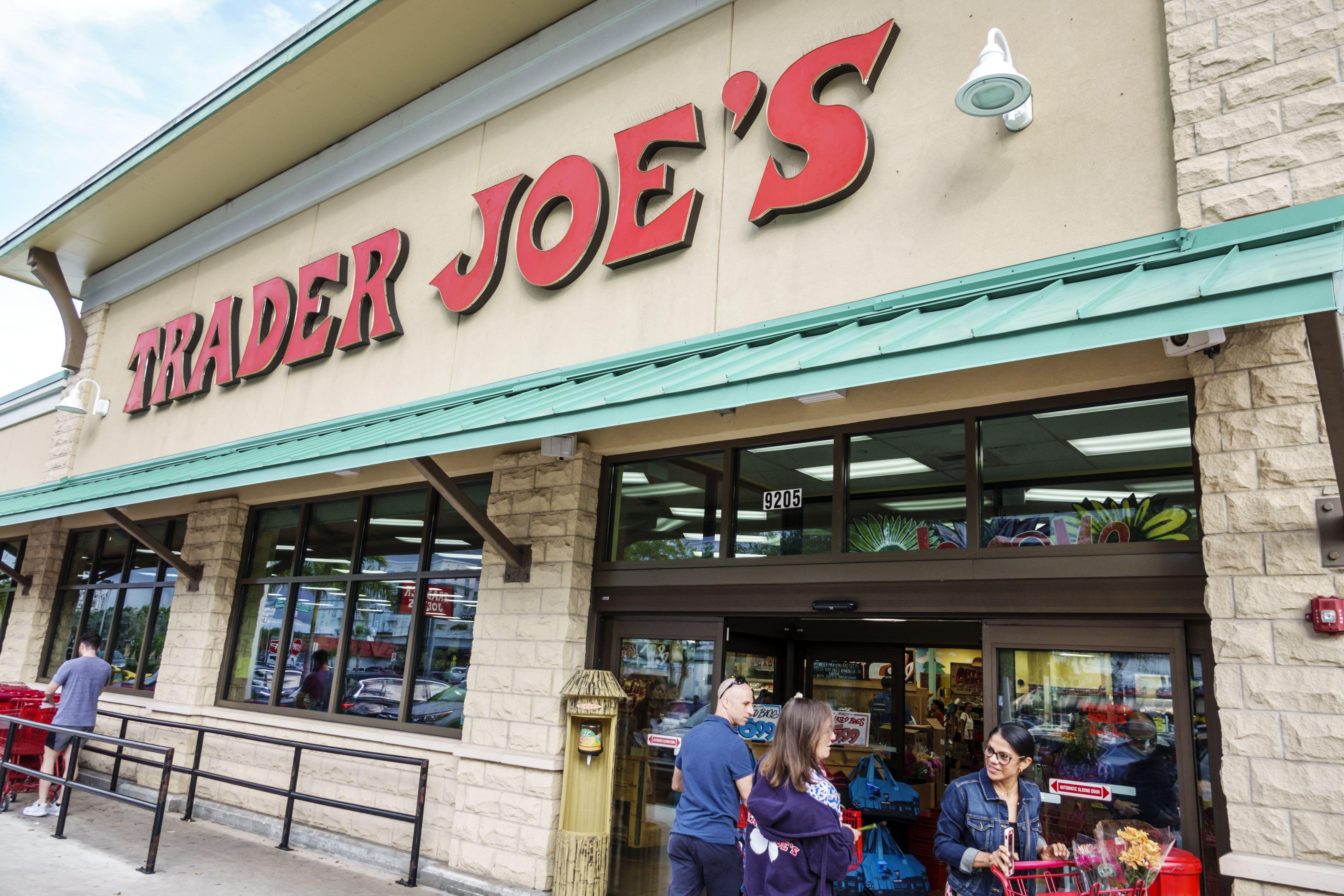 Miami, Trader Joe's Entrance