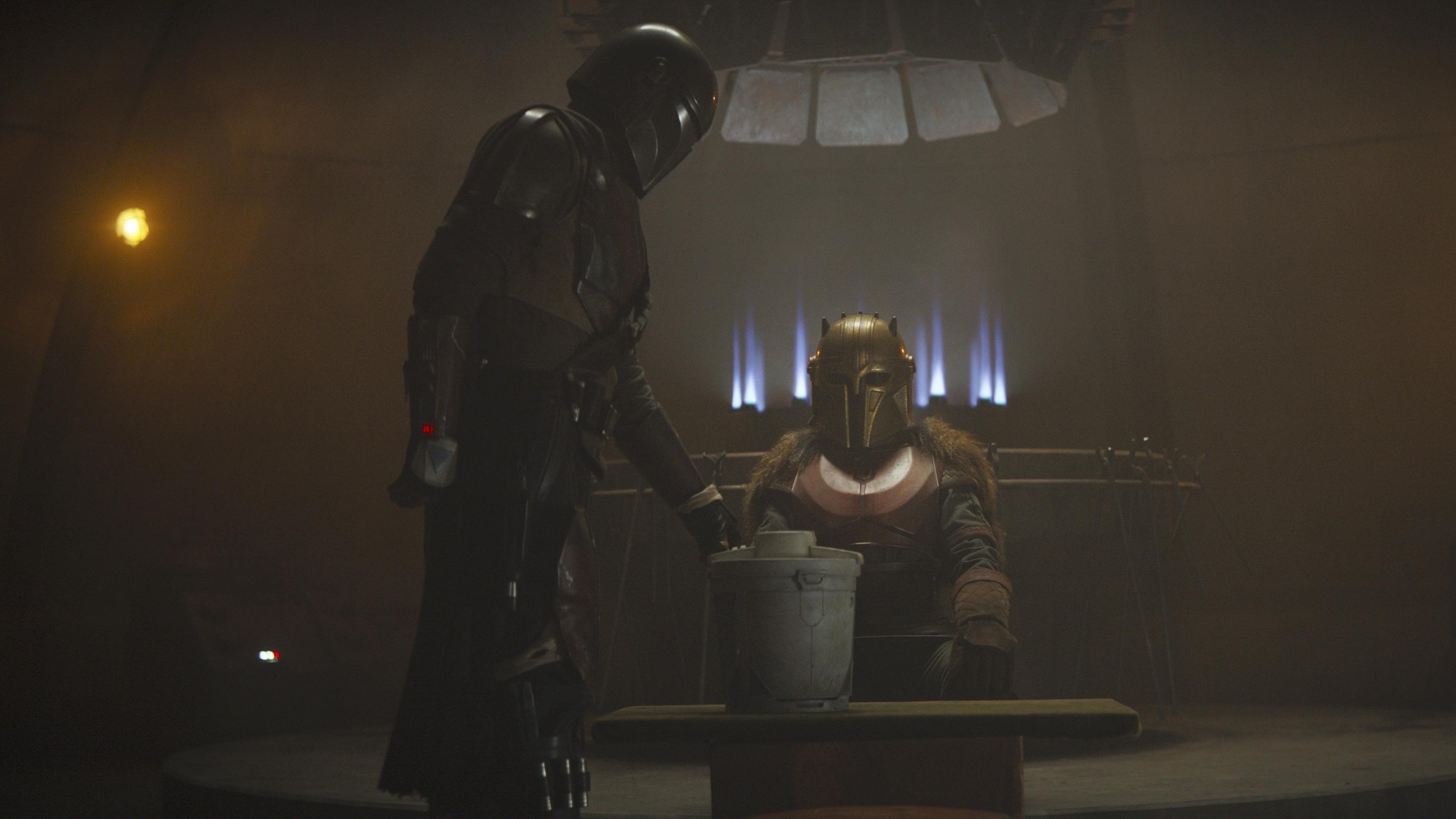 "The Mandalorian (Pedro Pascal) in Lucasfilm's ""The Mandalorian."""