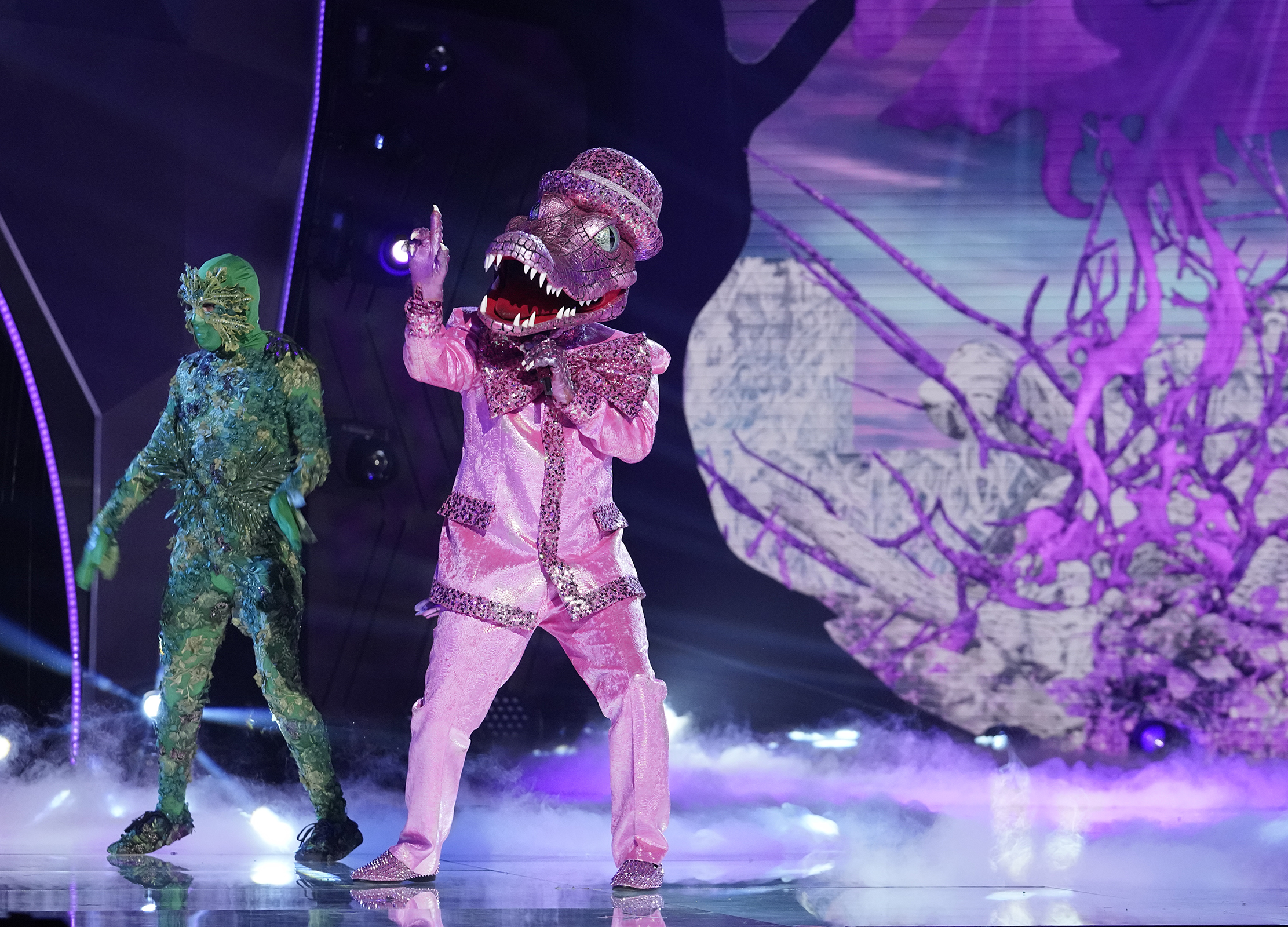 """THE MASKED SINGER: Crocodile in the """"The Group B Play Offs - Cloudy with a Chance of Clues"""" episode of THE MASKED SINGER airing Wednesday, Oct. 14"""