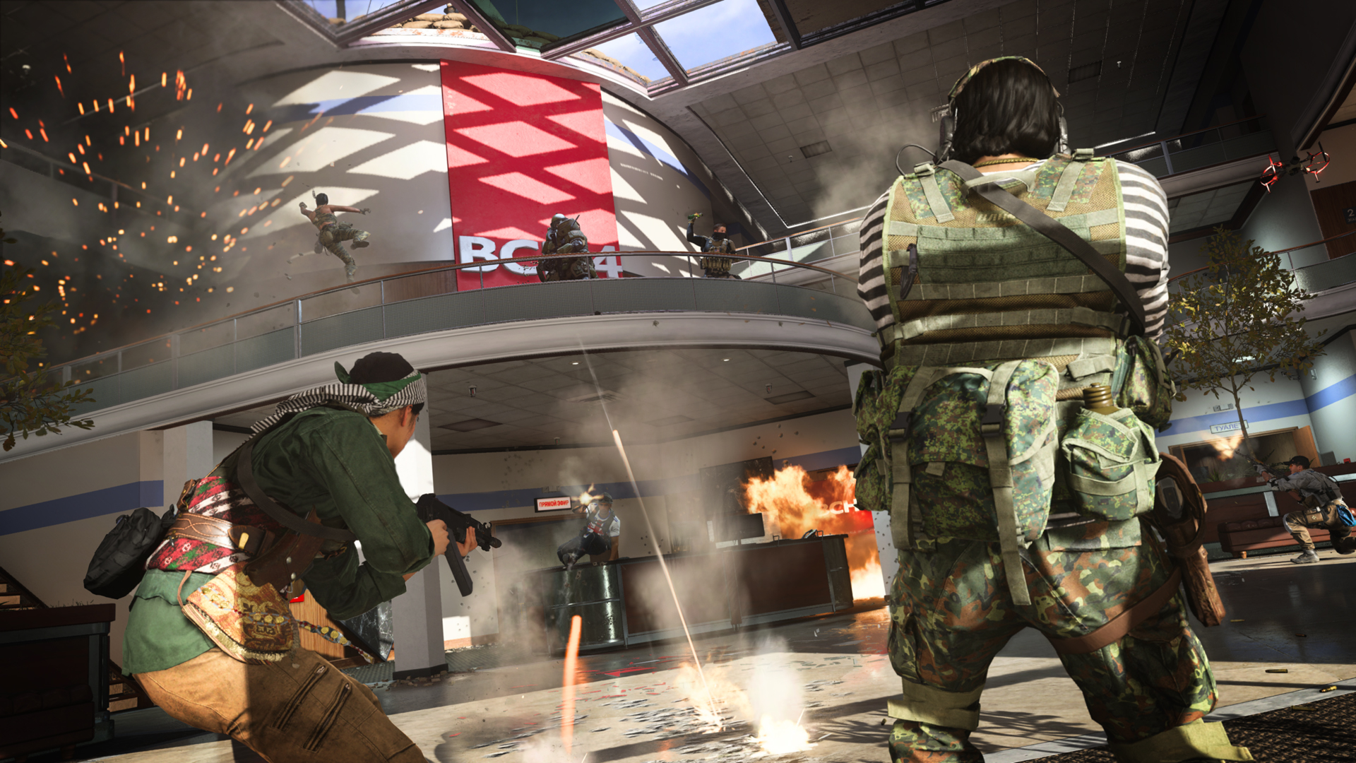 Call of Duty: Warzone players advance on an enemy in a balcony