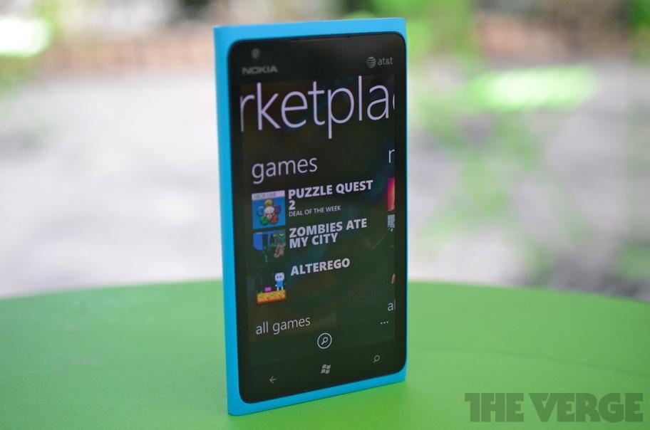 Nokia Lumia 900 marketplace  (912px)