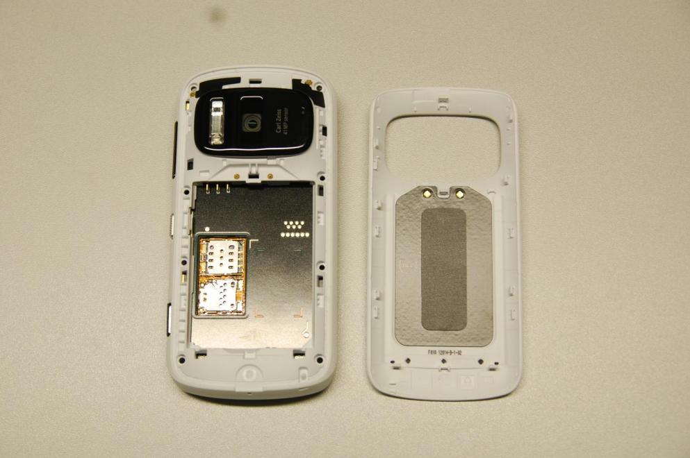 Gallery Photo: Nokia 808 PureView FCC test photos