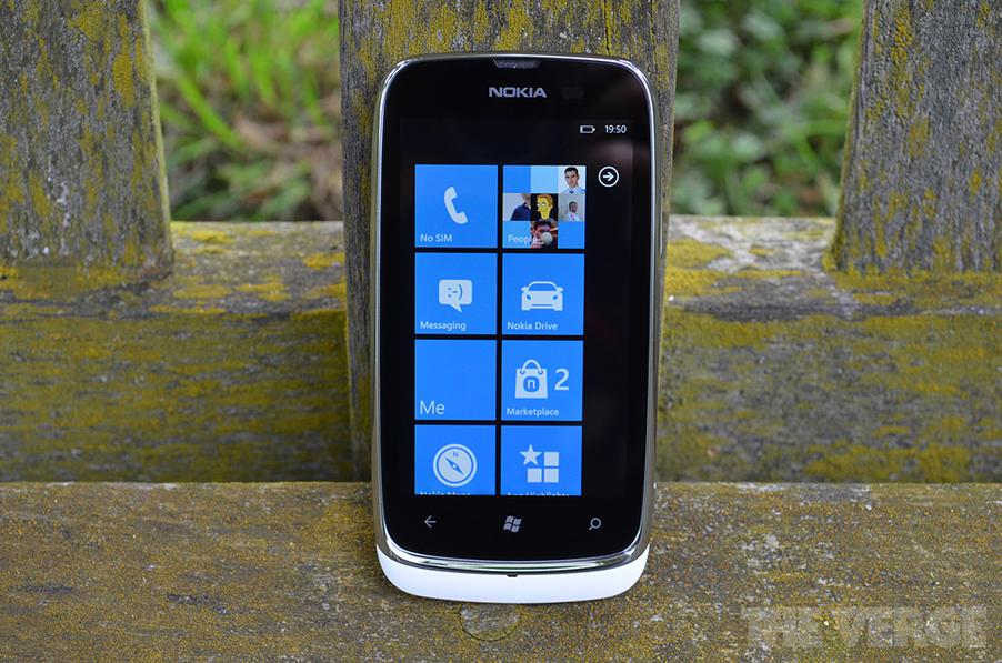 Nokia Lumia 610 hero (1024px)
