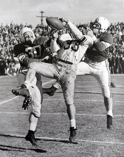 """Wilford """"Whizzer"""" White making a catch in traffic (Photo: ASU)"""