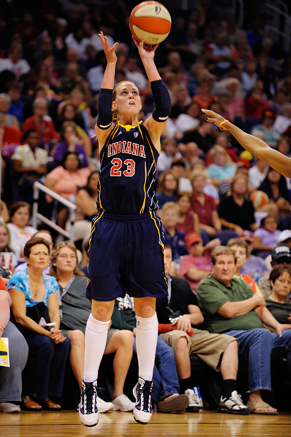 Katie Douglas went 3 for 5 from downtown to help the Indiana Fever open up a 31 to18 lead in the 1st quarter of their win over the Phoenix Mercury. August 8, 2009. Photo by Max Simbron
