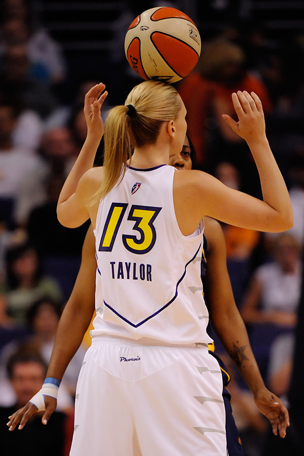 Penny Taylor's ability to protect the ball while driving to the rim was impressive <em>(not depicted in this photo)</em>. August 29, 2009. Phoenix, AZ. Photo by Max Simbron