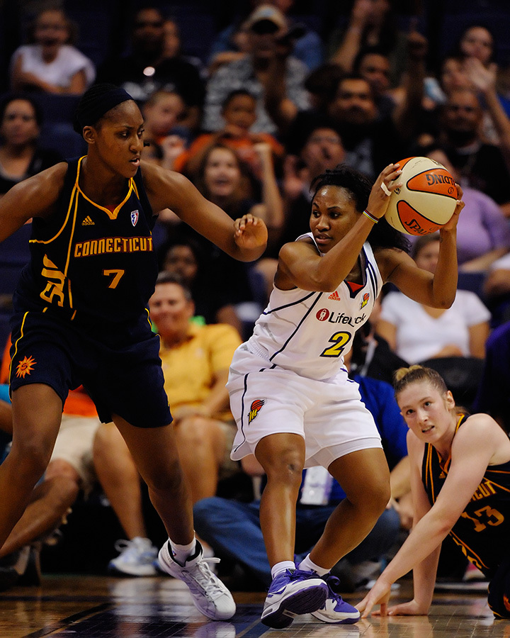 Phoenix Mercury point guard Temeka Johnson is a leader on and off the court. Phoenix, AZ. August 29, 2009. Photo by Max Simbron