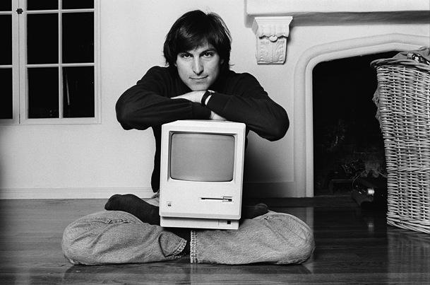 Стив Джобс с Apple Macintosh, 1984 год