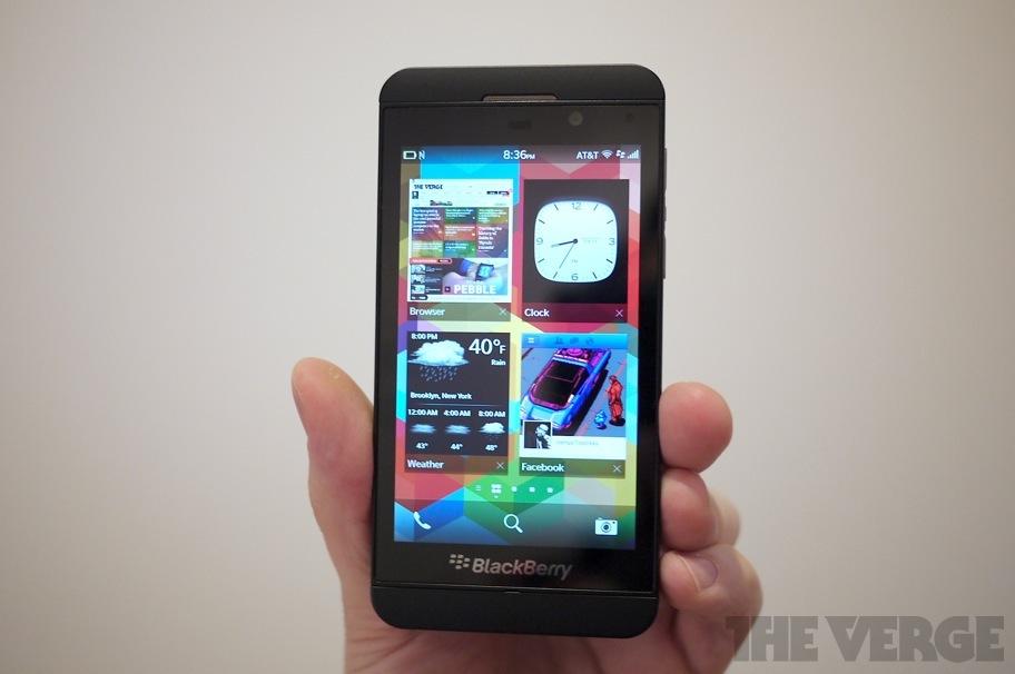 BlackBerry Z10 angle (912px)