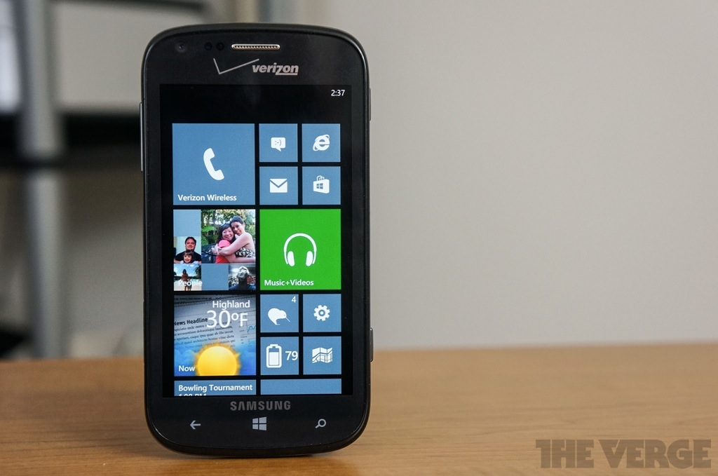 Samsung Ativ Odyssey hero (1024px)