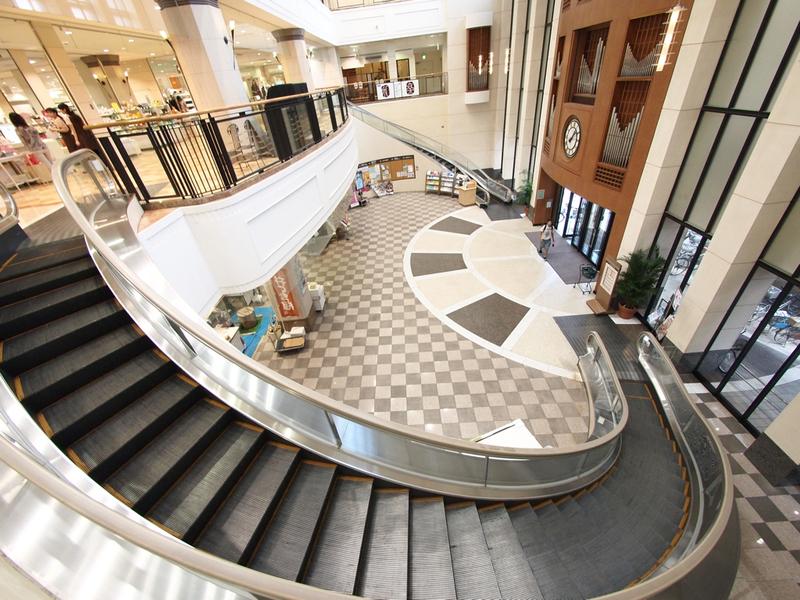 TOKYO ESCALATOR spiral escalator