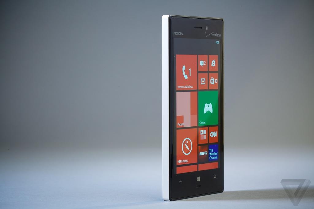 Nokia Lumia 928 hero (1024px)