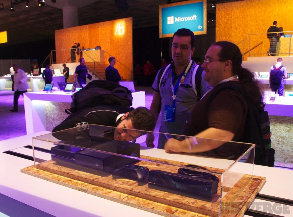 Xbox One Build 2013 stock 1020
