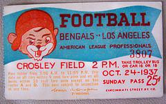 Pass to the 1937 meeting between the Cincinnati Bengals vs Los Angeles Bulldogs