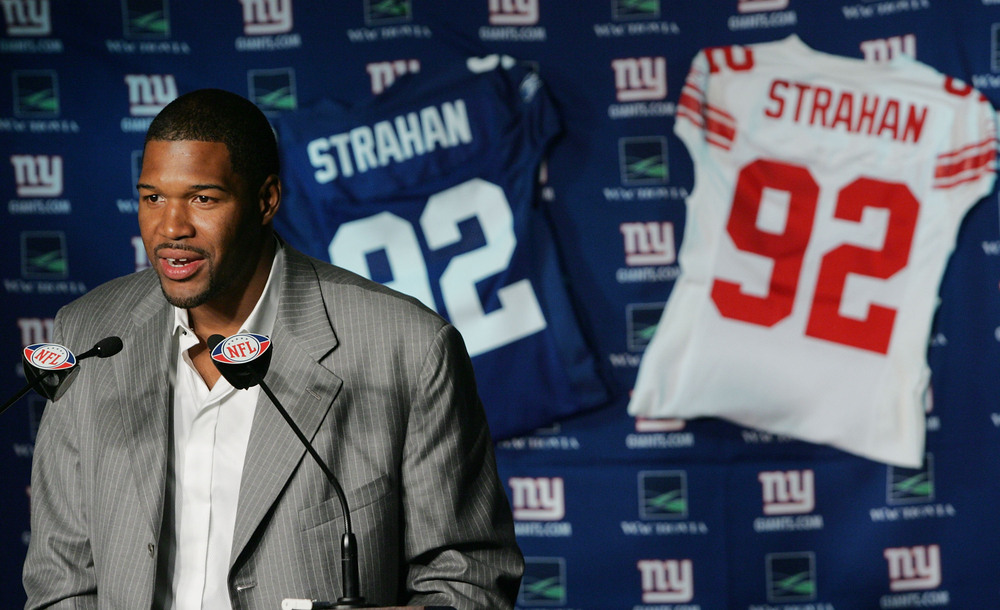 <strong>Michael Strahan</strong> during his retirement announcement. (Photo by Andy Marlin/Getty Images)
