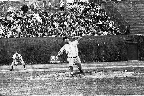 Ken Holtzman pitches against the Montreal Expos on April 18, 1970. Photo courtesy Leo Bauby, HOFimages.com