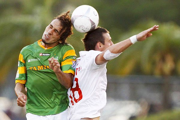 FC Tampa Bay defender Andres Arrango goes up to head the ball.