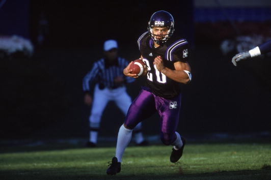 4 Nov 2000: Damien Anderson #20 of the Northwestern Wildcats runs with the ball during the game against the Michigan Wolverines at the Ryan Field in Evanston, Illinois. The Wildcats defeated the Wolverines 54-51. (Jonathan Daniel /Allsport)