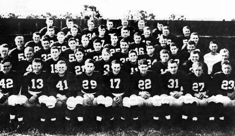 Stanford 's 1940 football squad, The Wow Boys. Photo Tournament of Roses Archive.