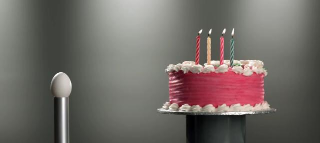 Rogers Motorola Razr Cake Ad 640