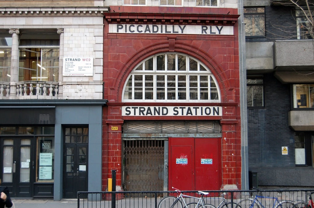 london, aldwych station_1020