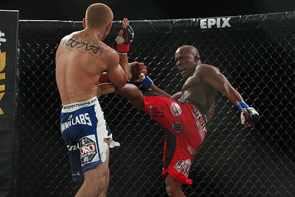 Alexis Vila (right) fights Marcos Galvao at Bellator 55. (Photo by Dave Mandel via Sherdog.com)