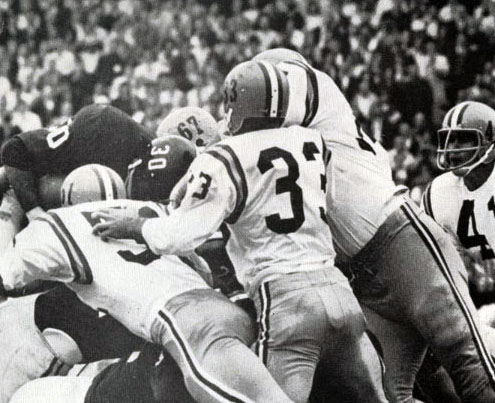 It was a battle in the trenches when Alabama and LSU faced off in 1964. Photo: University of Alabama Archives