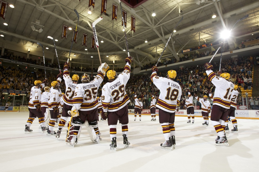 Gophers Stick Salute After A Sweep (photo from Gophers Athletics/Paul Rovnak)