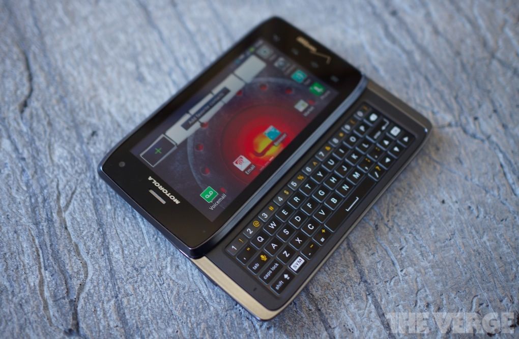 Droid 4 review stock 1020