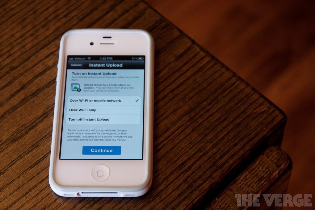 iPhone 4S Google+