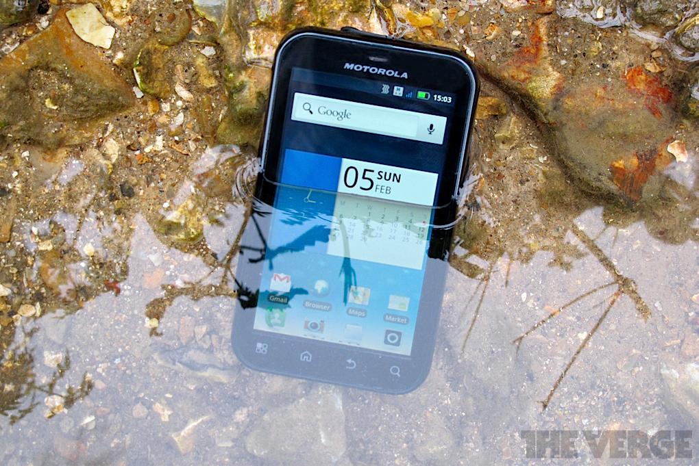 Motorola Defy Plus Review 1020