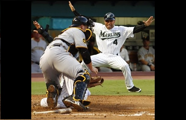 Joe Espada freaks out when he sees a third arm growing from the catchers back.