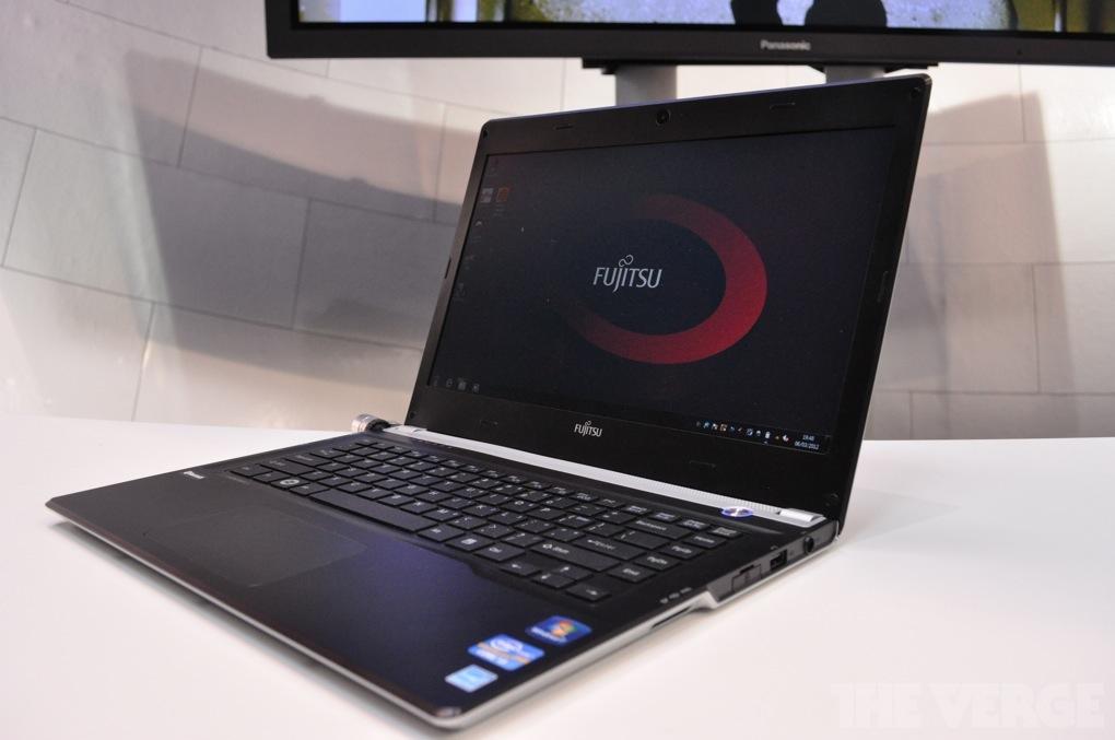 Gallery Photo: Fujitsu Lifebook UH572 ultrabook hands-on photos