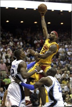 """via <a href=""""http://images.usatoday.com/Wires2Web/20090404/1050621790_Cavaliers_Magic_Basketballx.jpg"""">images.usatoday.com</a>"""