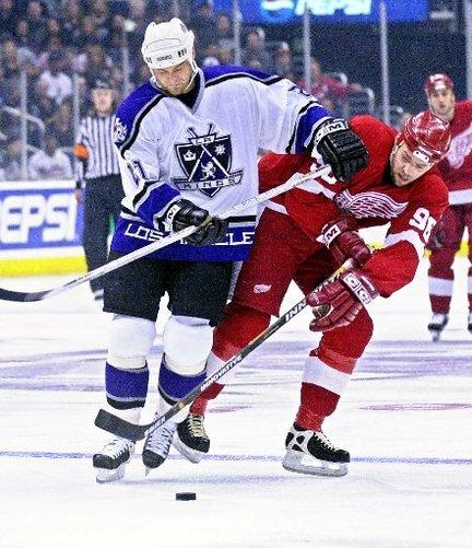 "via <a href=""http://media.mlive.com/generals_impact/photo/red-wings-kings-las109jpg-08b73bb56766bc76_large.jpg"">media.mlive.com</a>"