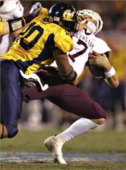 """Few were expecting Cal to out-tough A&M, but that's just what happened via <a href=""""http://4.bp.blogspot.com/_GEvR3ewyp3Y/SBJosV1eOKI/AAAAAAAAAPg/bj6f-GiMTUo/s400/desmondbishop_HOLIDAY-BOWL-1.jpg"""">4.bp.blogspot.com</a>"""