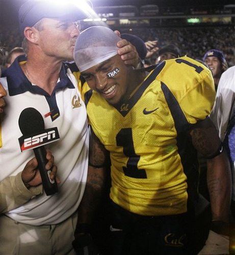 """Tennessee-California Football (via <a href=""""http://www.flickr.com/photos/9882353@N05/4182994955/"""">southpawo5</a>). These were happier times."""