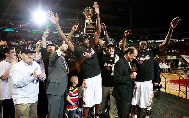 "via <a href=""http://www.nba.com/media/dleague/trophy_650_110430.jpg"">www.nba.com</a>"