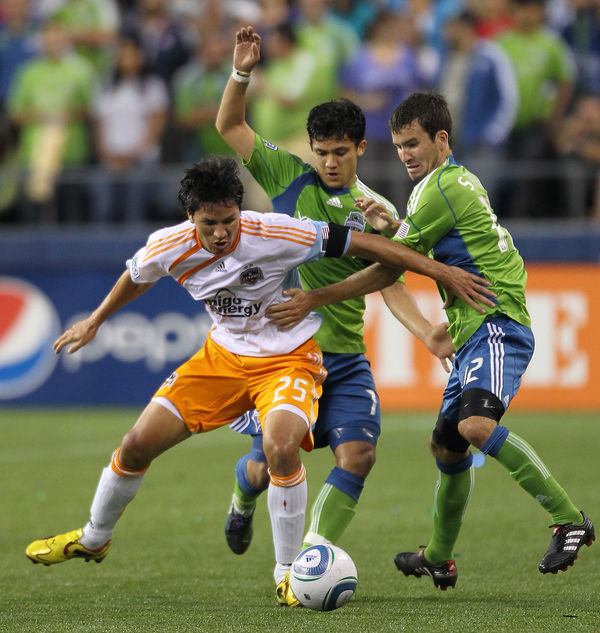 Brian Ching (25), who returns to Houston's line-up after serving a suspension for a red card against Sporting Kansas City, will be vital to Houston's success against Seattle Sounders. (Photo by Otto Greule Jr/Getty Images)