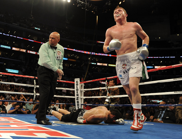 Saul Alvarez knocked out Carlos Baldomir in six rounds last night in Los Angeles. (Photo by Harry How/Getty Images)
