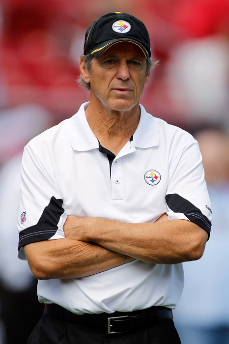 TAMPA FL - SEPTEMBER 26:  Defensive coordinator Dick LeBeau of the Pittsburgh Steelers watches his team against the Tampa Bay Buccaneers during the game at Raymond James Stadium on September 26 2010 in Tampa Florida.  (Photo by J. Meric/Getty Images)
